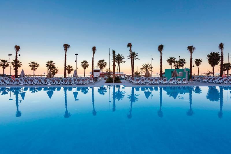 piscina 7 clubhotel riu costa del sol tcm194 178015