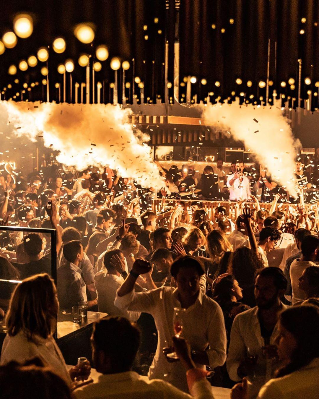 La vida nocturna de Barcelona - SUTTON